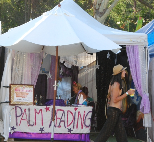 palm-reading-woodford