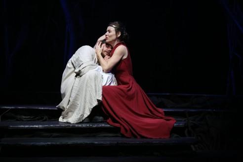 Jason Klarwein as Macbeth and Veronica Neave as Lady Macbeth in the QTC production under Michael Attenborough, photo Rob Maccoll 2